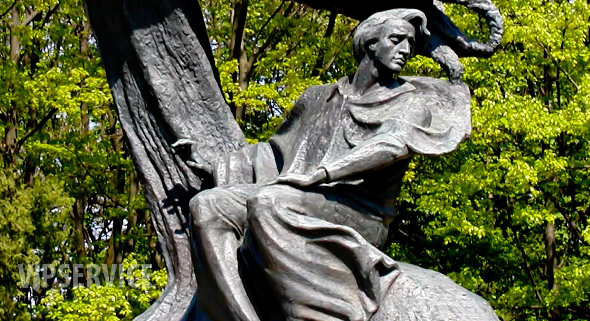 Warsaw, monument of Fredric Chopin / Warszawa, pomnik Fryderyka Chopina
